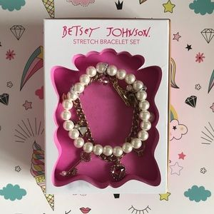 Betsey Johnson Stretch Bracelet Set